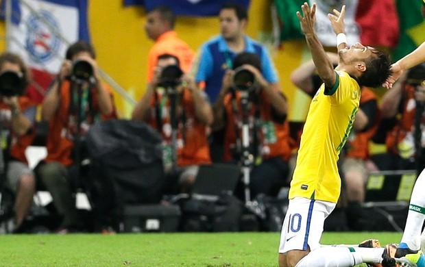 neymar_comemoracao_ap.jpg_95_1